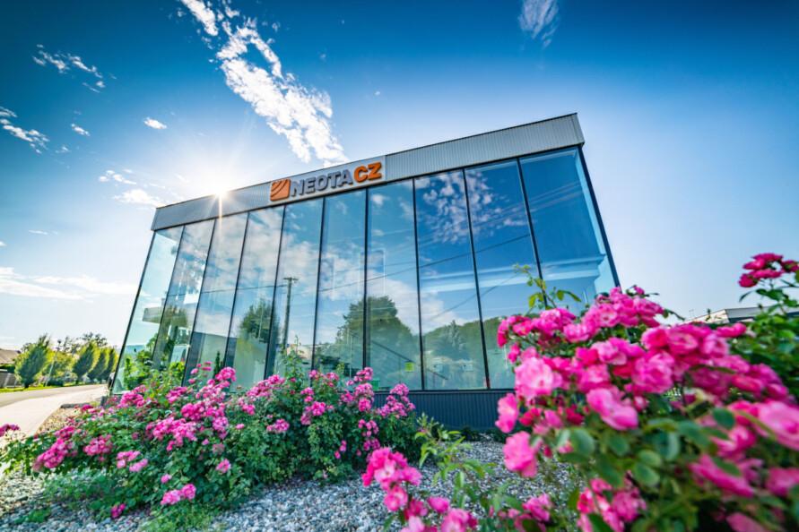NEOTACZ kancelářská budova 2019